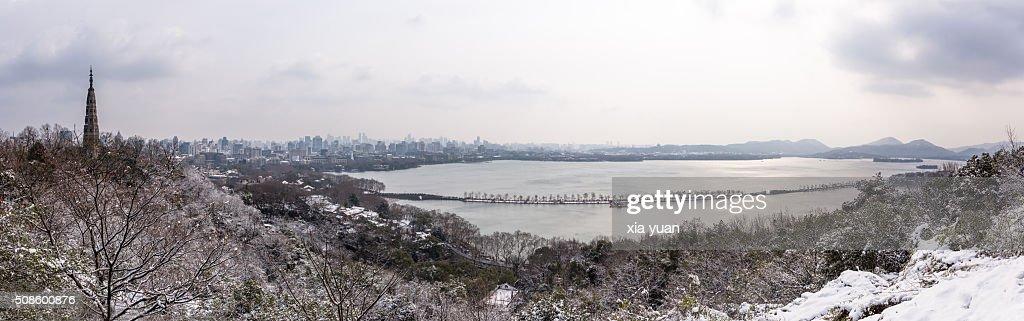 Panorama View of the West Lake in snow,Hangzhou,Zhejiang,China : Foto de stock