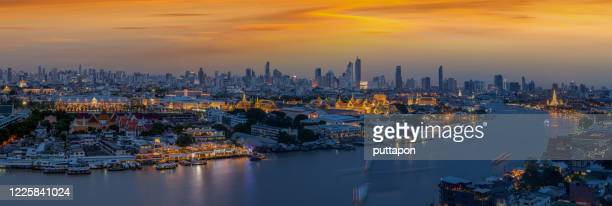 panorama views grand palace at sunset time in beautiful - sanam luang park stock pictures, royalty-free photos & images