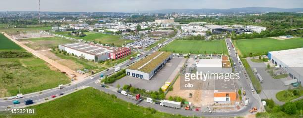 大工業地帯のパノラマの空中眺め - 工場地帯 ストックフォトと画像