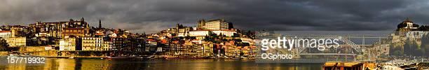 panorama-stadt porto bei sonnenuntergang - ogphoto stock-fotos und bilder