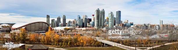 panoramic cityscape of calgary, alberta, canada - calgary stock pictures, royalty-free photos & images