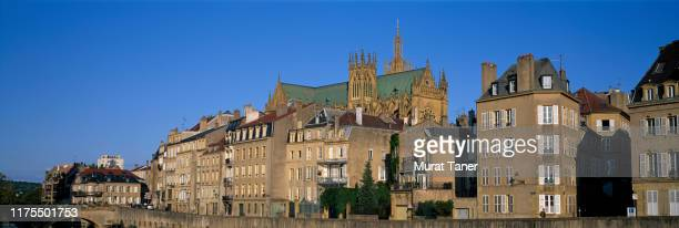 panoramic cityscape view of metz along the moselle river - lorraine stock pictures, royalty-free photos & images