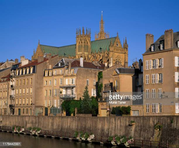 panoramic cityscape view of metz along the moselle river - moselle france stock pictures, royalty-free photos & images