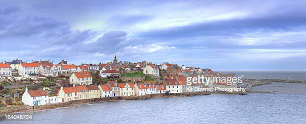panoramic coastal view pittenweem fishing village - fife scotland stock pictures, royalty-free photos & images