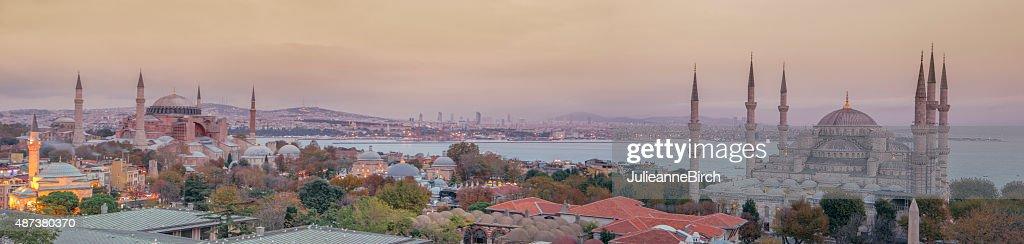 Vista panorámica de las mezquitas de Estambul : Foto de stock
