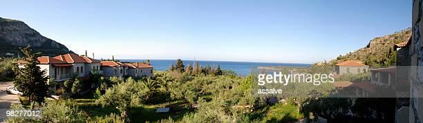 vista panorámica del paisaje del peloponeso, kardamyli, grecia - messenia fotografías e imágenes de stock