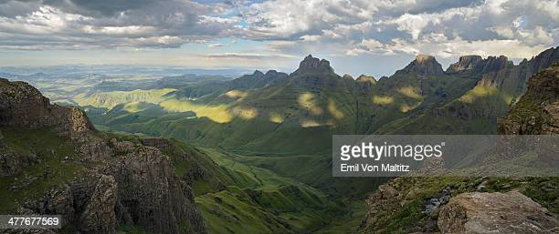panoramic of cathedral peak in the drakensberg - mpumalanga province stock pictures, royalty-free photos & images