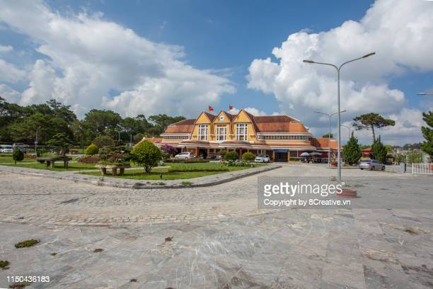 panoramic of da lat railway station (vietnamese: ga đà lạt) - vietnam's highest train station - history museum stock pictures, royalty-free photos & images