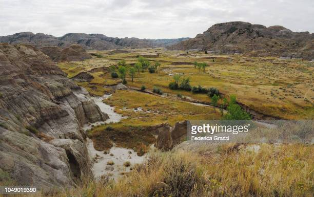 panoramic of makoshika state park, montana - state park stock pictures, royalty-free photos & images