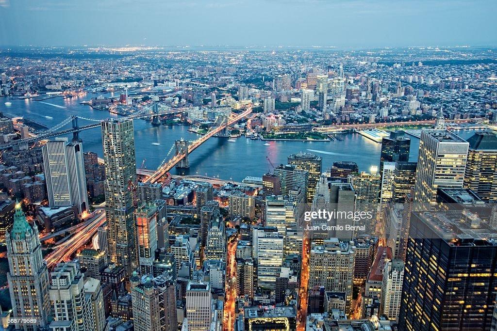 Panoramic of Manhattan and the Brooklyn Bridge : Stock Photo