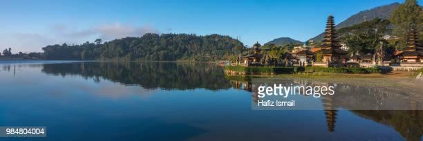 a panoramic of pura ulun danu bratan - lake bratan area stock pictures, royalty-free photos & images