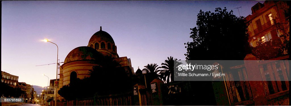 Panoramic Shot Of Historic Building Against Clear Sky At Dusk : Foto stock