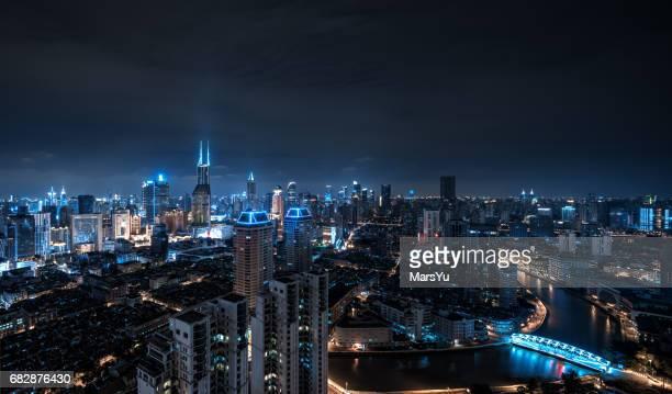 パノラマに広がる上海の街並みの眺め