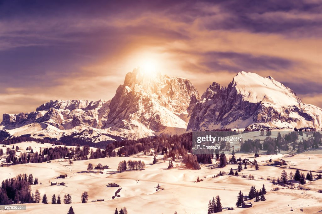 Panoramic view at sunset of Sasso Lungo and Sasso Piatto : Foto stock