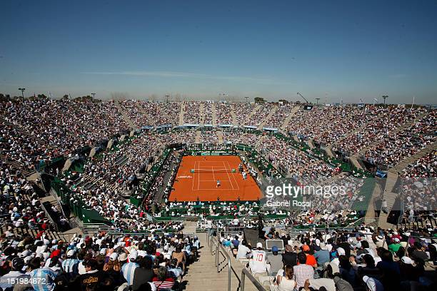 Panoramic view during the warm up of Juan Martin Del Potro and Radek Stepanek prior tothe first Davis Cup semi-final match between Argentina and...