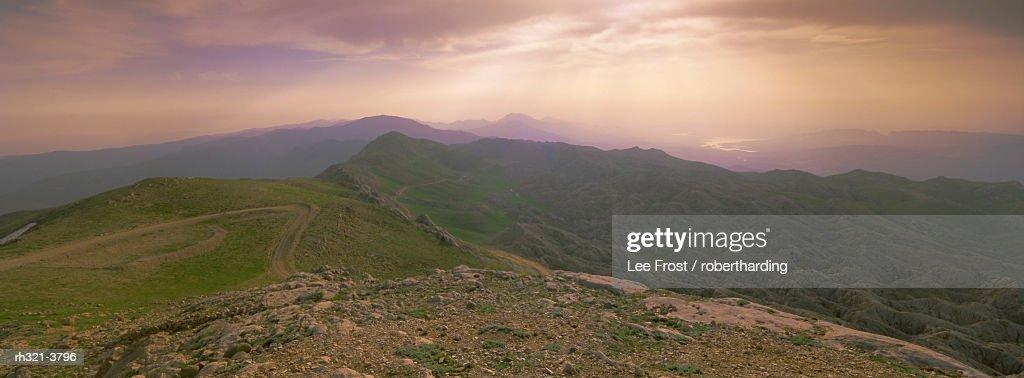 Panoramic view from summit of Mount Nemrut, Cappadocia, Anatolia, Turkey, Asia Minor, Asia : Stockfoto