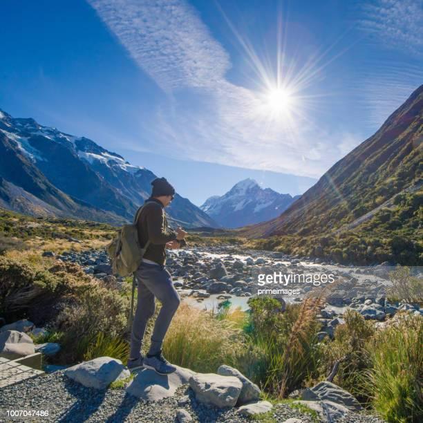 paisagem de natureza vista panorâmica na cidade rainha notável e arrowtown ilha sul de nova zelândia - wanaka - fotografias e filmes do acervo