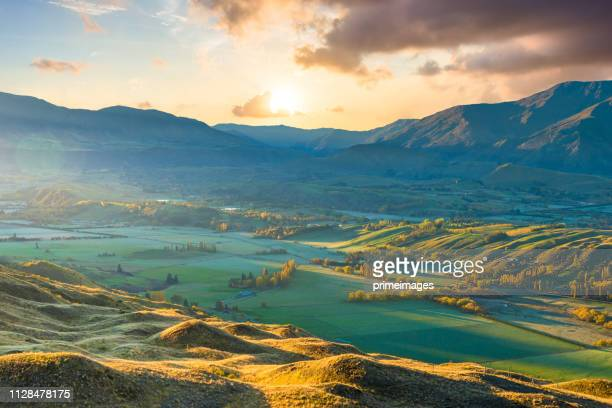 panoramic view nature landscape in queen town remarkable and arrowtown south island new zealand - arrowtown stock pictures, royalty-free photos & images