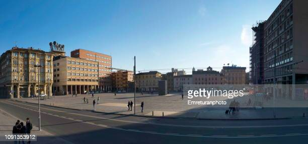 panoramic view of 8 august square in bologna. - emreturanphoto stock-fotos und bilder