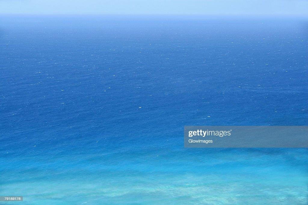 Panoramic view of a sea, Diamond Head, Waikiki Beach, Honolulu, Oahu, Hawaii Islands, USA : Foto de stock