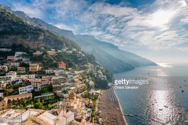 panoramic view of amazing city of positano - naples italie photos et images de collection