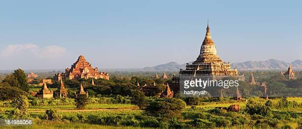 Panoramablick auf das alte Tempel von Bagan 76MPix XXXXL Größe