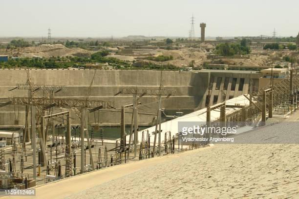 panoramic view of aswan dam, egypt - argenberg stock-fotos und bilder