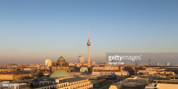 panoramic view of berlin at sunset - finanzen und wirtschaft stock pictures, royalty-free photos & images
