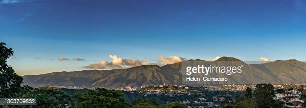 panoramic view of caracas city at sunset with el avila at the background - カラカス ストックフォトと画像