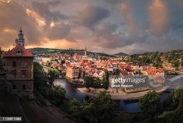 panoramic view of cesky krumlov in winter, czech republic. - vltava river stock photos and pictures