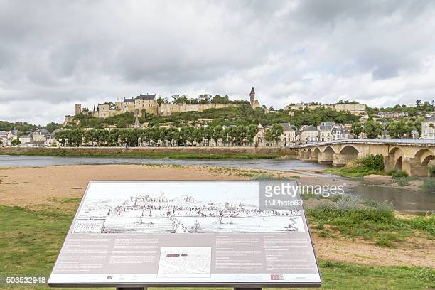 panoramablick auf chinon-france - pjphoto69 stock-fotos und bilder