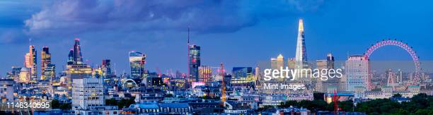 panoramic view of cityscape, london, greater london, england - greater london stockfoto's en -beelden