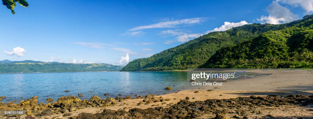 Panoramic view of Dingalan Beach : Foto de stock