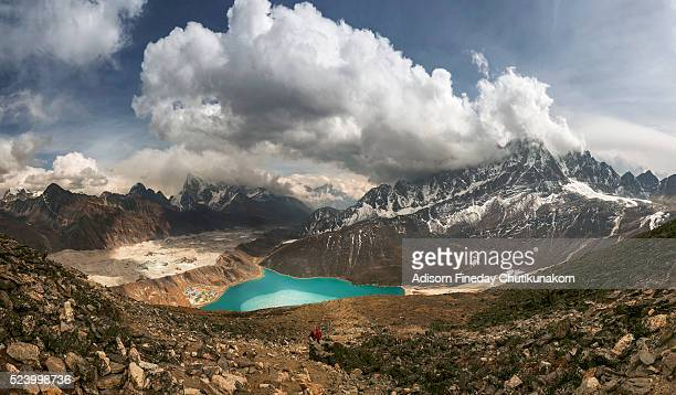 panoramic view of gokyo lake and village from gokyo ri - gokyo ri ストックフォトと画像