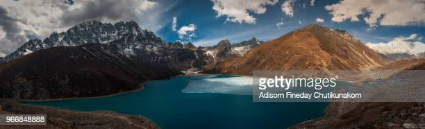 panoramic view of gokyo lake from gokyo ri, everest region - gokyo ri ストックフォトと画像