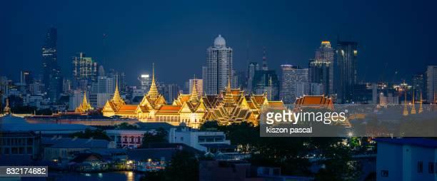 Panoramic view of Grand Palace in Bangkok at night ( Thailand )