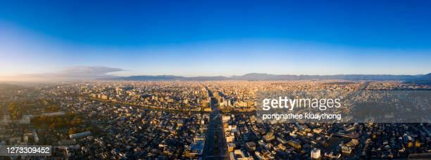 panoramic view of kyoto, japan - city in the region of kansai. - 360 fotografías e imágenes de stock