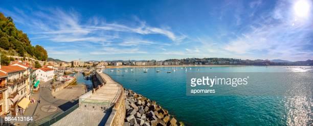 ラ ・ コンチャ湾、サン ・ セバスティアン、ドノスティア、バスク、スペインのパノラマ ビュー - ギプスコア ストックフォトと画像