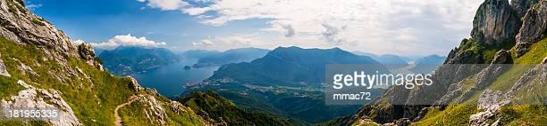 Panoramablick auf den Lago di Como und Lugano