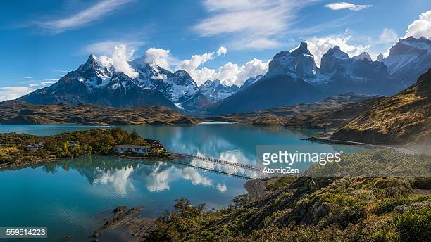 panoramic view of lake pahoe's reflection - patagonia foto e immagini stock
