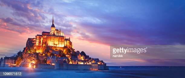 ル ・ モンサンミッ シェルの全景 - モンサンミッシェル ストックフォトと画像