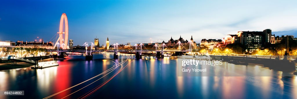 Panoramic view of London Westminster skyline at dusk : Stock Photo