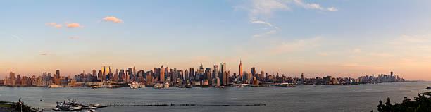 Panoramic View Of Manhattan At Sunset Wall Art