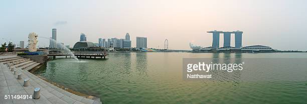 panoramic view of merlion park marina bay singapore - merlion stock pictures, royalty-free photos & images