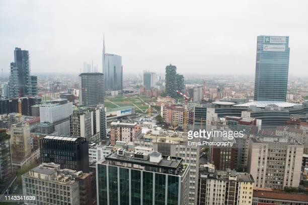 panoramic view of milano, italy - bosco verticale milano foto e immagini stock