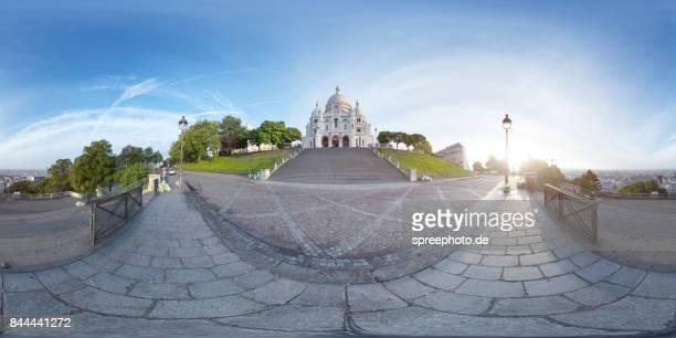 360° panoramic view of montmartre church, paris - vr 360 fotografías e imágenes de stock