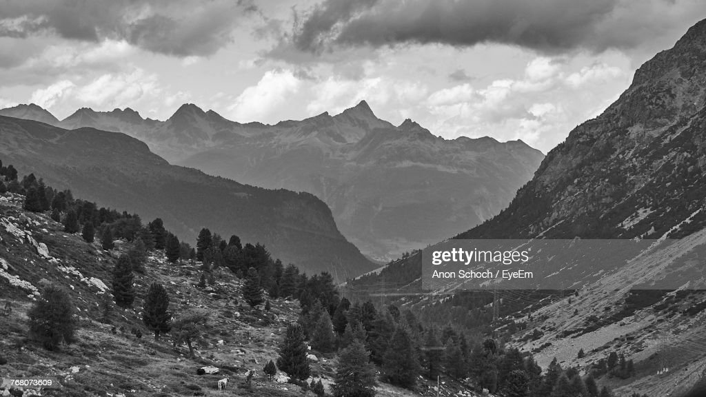 Panoramic View Of Mountains Against Sky : Foto de stock