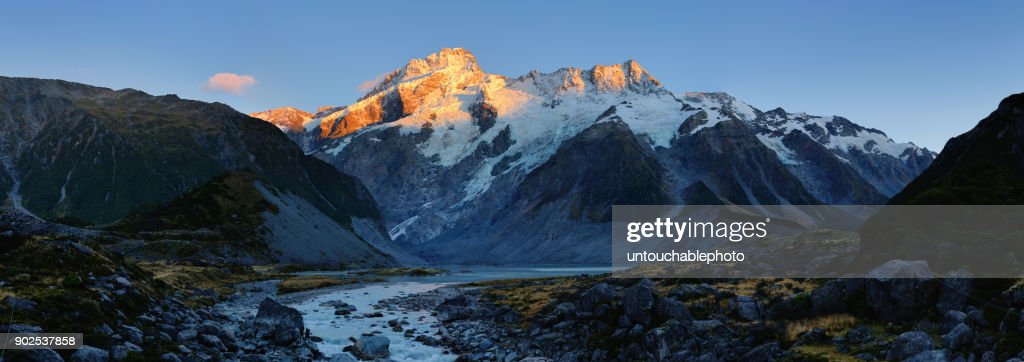Panoramic view of Mt Cook and Mueller lake in morning light : Stock Photo