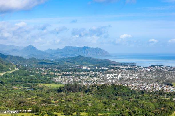 panoramic view of oahu from pali lookout, hawaii islands - lookout tower stock pictures, royalty-free photos & images