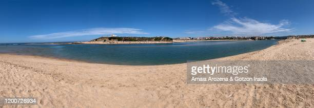 panoramic view of praia das furnas beach in vila nova de milfontes. portugal. - 360 fotografías e imágenes de stock